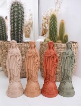 Statuette vierge aux fleurs pop déco bohème - Boutique L'anana(s)