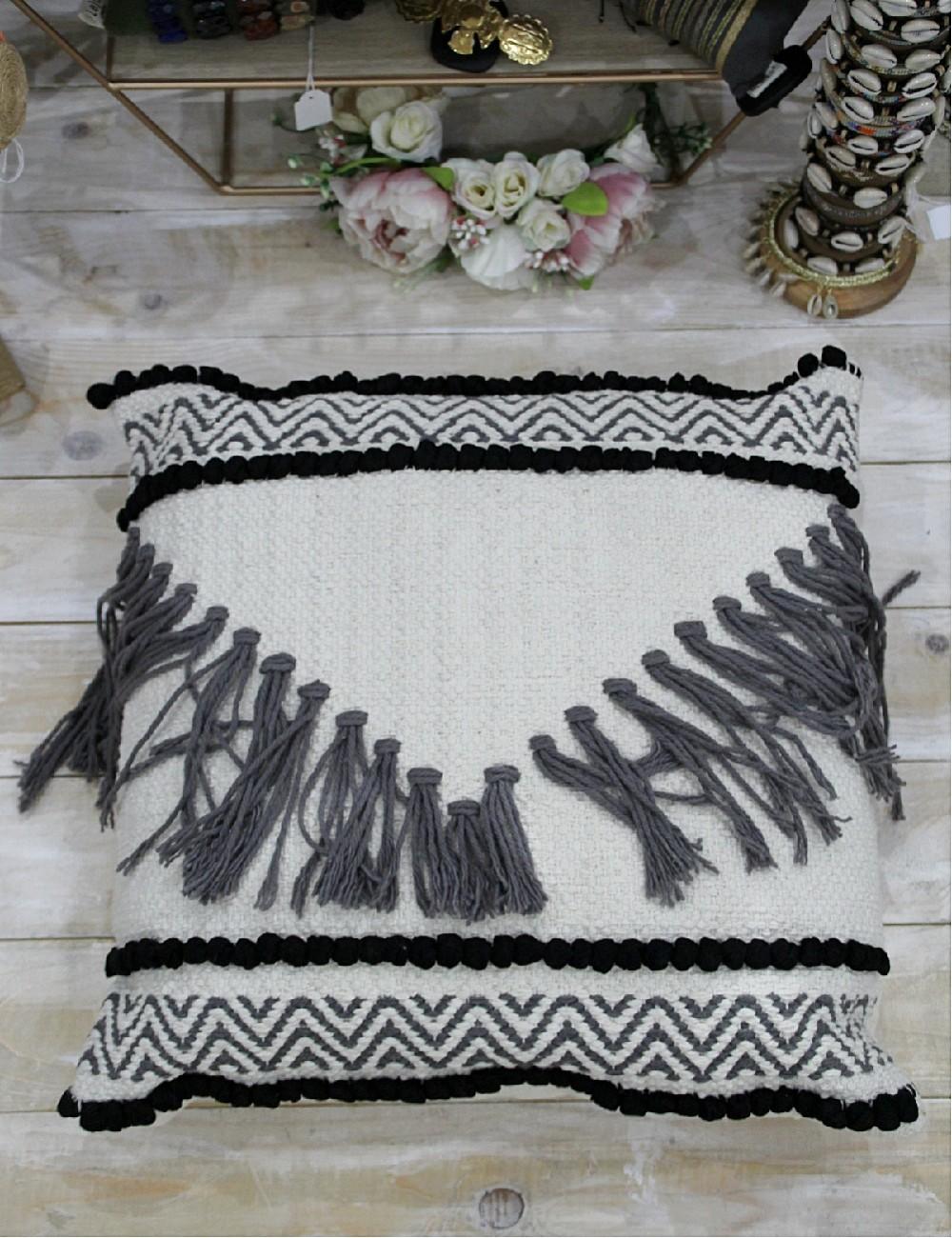 Taie d'oreiller blanche pompons noirs et franges grises - Boutique l'ananas