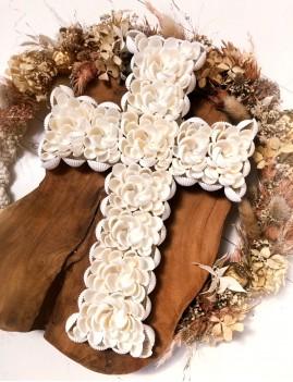 Petite croix coquillages - Boutique l'ananas