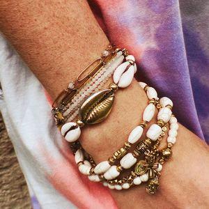 GYPSY VIBES ☮️ Nos bijoux bohèmes comme on les aime 💜 Retrouvez les sur @boutique_lananas 🍍 . . #bijoux #bracelet #boheme #bijouxboheme #bijouxboho #braceletcoquillages #coquillages #boheme #boutiquelananas #lananas #bordeaux