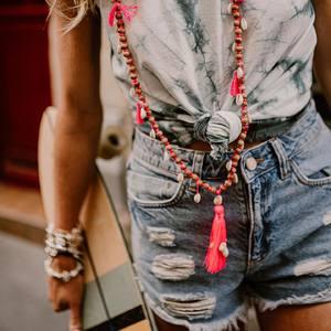Tie & Dye Vibes ✌️ @boutique_lananas . . #tiedye #tieanddye #toptiedye #ootd #outfit #outfitoftheday #bordeaux #bordeauxmaville #boutiquelananas #shortjeans #short #jeans #look #canon #boheme #gypsy #boho 📸 @camillebrignol.photo