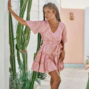 Pink Summer 🌸 La petite robe rose pour cet été 🥰  www.boutique-lananas.com #robedete #summer #pinkdress #summerdress #boheme #robeboheme #roberose #boutiquelananas #bordeaux