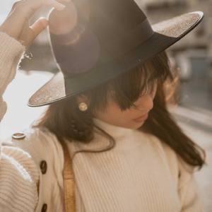 ESMÉE Notre chapeau noir ESMÉE qui peut être votre premier chapeau, facile à assortir, sautez le pas, c'est le chapeau idéal pour tous vos looks ! 🥰🤩 . . #chapeau #hat #chapeauboheme #chapeaunoir #blackhat #hataddict  #bohemestyle #outfit #outfitinspiration #inspiration #outfitoftheday #sales #bordeaux #boutiquelananas #lananas #bordeauxcity #boheme #hippiechic  Crédit photo @cleya.asulon