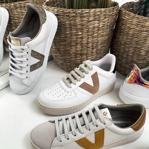 NEW COLLECTION : Nos baskets Victoria 👟 🍍 Venez découvrir la nouvelle collection de baskets. Dites nous vos modèles préférés. Bonne soirée les nanas 😘 #basket #basketshoes #shoes #boheme #boutiquelananas #bordeaux #newcollection #madeinspain #bohemestyle