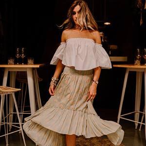 BOHO VIBES Craquez pour les dernières pièces soldées les nanas 🍍 Plus que quelques pièces pour se faire plaisir .. 🥰 . . #jupelongue #jupeboheme #boheme #hippiechic #bohovibes #hippiestyle #croptop #top #white #ootd #outfitoftheday #fashionblogger #outfit #bordeaux #bordeauxmaville  📸 @camillebrignol.photo