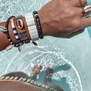 SWIMMING POOL 💦 Envie de porter des couleurs, des coquillages cet été ! 🐠  www.boutique-lananas.com #bracelet #braceletete #summer #watercolor #boutiquelananas #lananas #bordeaux #outfitsummer #summervibes