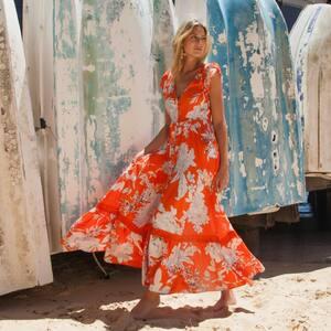 M O N D A Y ✨ Nos robes colorés pour cet été. www.boutique-lananas.com  #robe #robeboheme #robelongue #longdress #boutiquelananas #ootd #outfitinspiration #summermood #summer #bordeaux