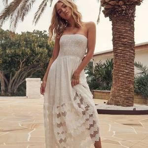 DESTINATION CAP FERRET ? Des robes bohèmes, hippie chic & Gypsy pour vos vacances d'été. Rdv sur www.boutique-lananas.com  ☮️🍍 . . #robeboheme #robelongue #robedentelle #robemariee #mariee #wedding #gypsygirl #bohovibes #gypsysoul #bohochic #robebustier