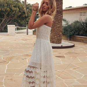WHITE DRESS www.boutique-lananas.com . . #whitedress #dress #robeblanche #robedentelle #white #ootd #outfitoftheday #outfit #ibiza #ibizastyle #gypsystyle #robelongue #robelongueboheme #robeboheme #bordeaux #boutiquelananas #🍍
